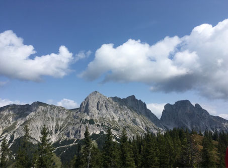 Eine Auszeit kann ein Spaziergang raus aus dem Alltag, eine Tageswanderung oder ein Kurzurlaub zum Wandern sein, wie zum Beispiel bei mir in die Steiermark.